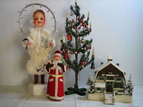 Leuchterengel, candy container Santa Claus, Christbaum und Weihnachtshaus mit Beleuchtung